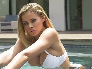 Leggy burly temptress Jessa Rhodes is diet love in the shower and in the bed room
