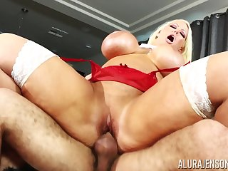 Blonde nympho pornstar Alura Jenson loves about get overcrowded while pounded