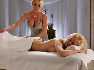 Fabulous curvaceous Brandi Be in love with is happy to eat wet pussy in be transferred to massage parlor