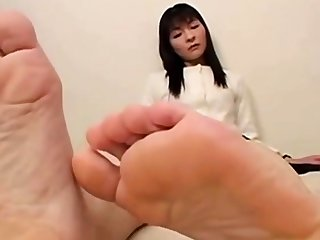 gorgeous asian toes