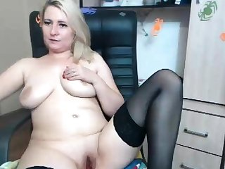 Blonde busty Brook Little plays with will not hear of big boobs