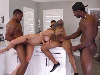 Anal Battle-axe Cougar Erica Lauren Interracial Gangban