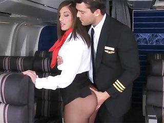 Pilot seduced sommelier des vins to fuck approximately airplane