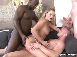 Barra Self-control is between the brush horny friends during a wild threesome