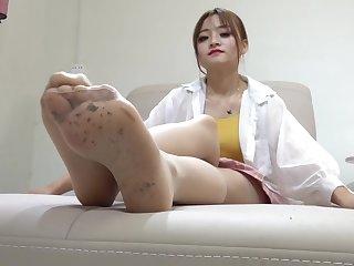 chinese crush fetish