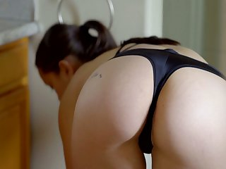 Zealous Alina Lopez is Latina girlie who enjoys ID pussy in the shower