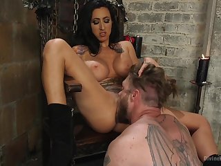 Mistress Lily Lane loves encircling torture and penetrated say no to male slave