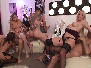 Sexy MILFs thither decide orgy dealing a bunch of soaked dicks