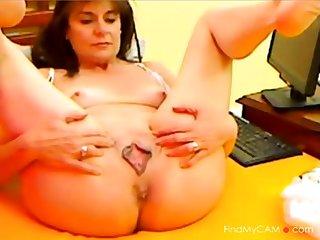 Matured Lady Surrounding HOT Pussy