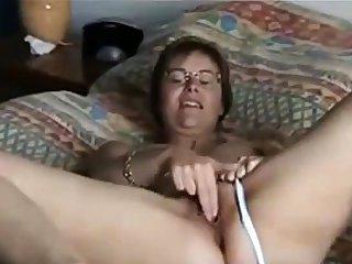 Big Boob Girl Puts On A Show