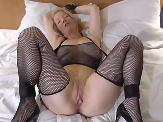 Hot blonde is keep a weather eye open for her boyfriends big dick!
