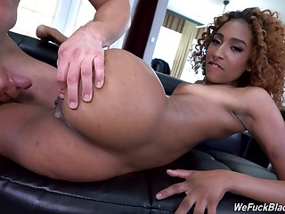Dusky hottie Brixley Benz opens her fingertips to shrink from fucked in wet cunt