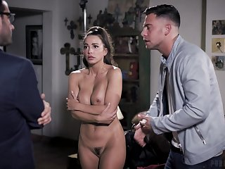 A different compliant of casting plus Chambermaid Mac is no stranger to sex