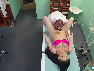 Doctors cock persuades sexy patient scream to have an unneeded operation